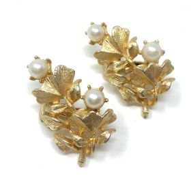 Jewelcraft 1960s Vintage Ginko Earrings