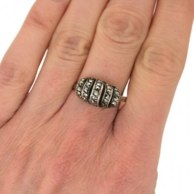 1940s Silver and Marcasite Twist Design Vintage Ring